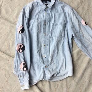 BDG URBAN OUTFITTERS Denim Shirt Novelty Graphic L